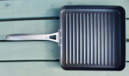 Calphalon Hard-Anodized Nonstick 11 inch Square Grill Pan, E